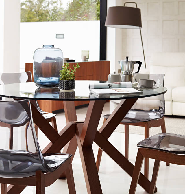 When Youre Choosing A Dining Table Your Main Decision Is Round Or Rectangular The Answer Generally Depends On Space Tables Tend To Be Smaller