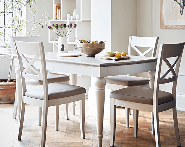 Easter dining tables